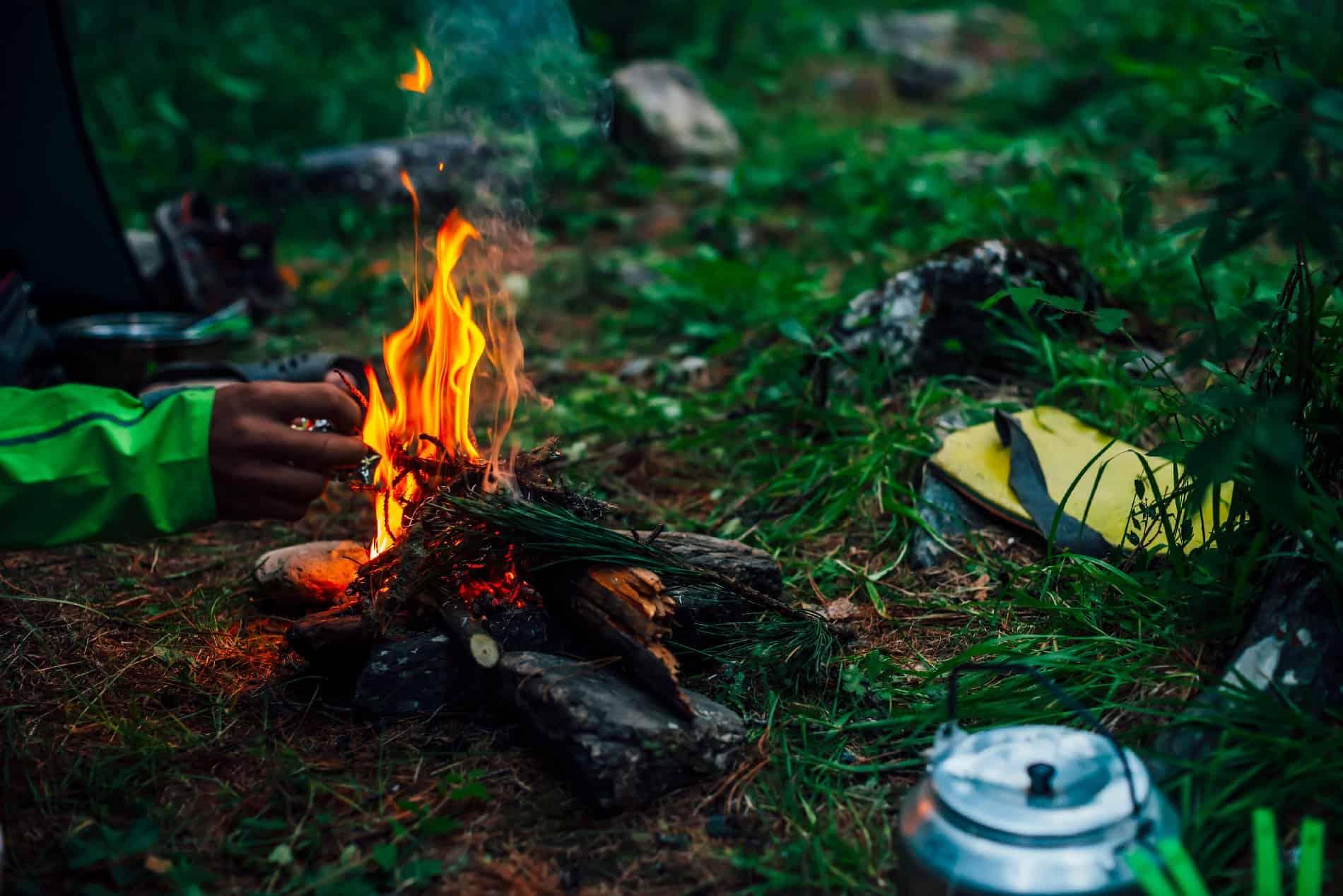 Bushcraft: accensione di un fuoco nel bosco